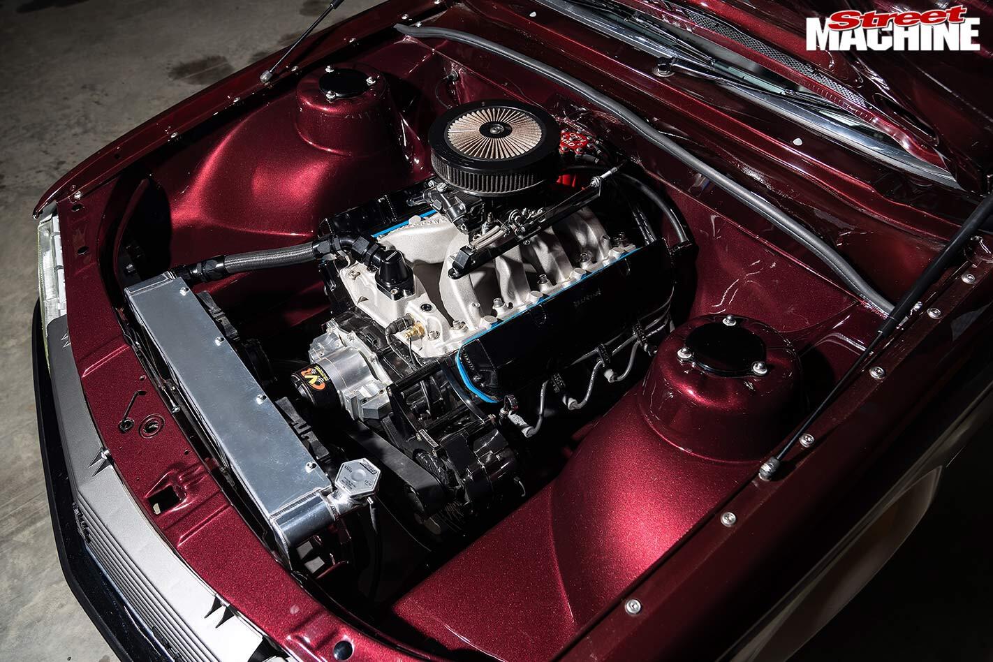Holden VH Commodore SL/E engine bay