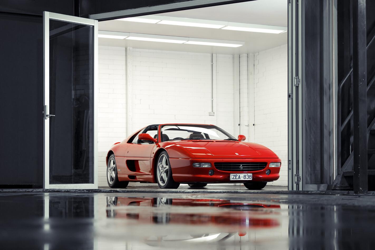 Ferrari F355 front end