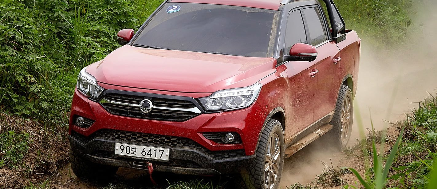Ssangyong Musso Front Side Action Jpg