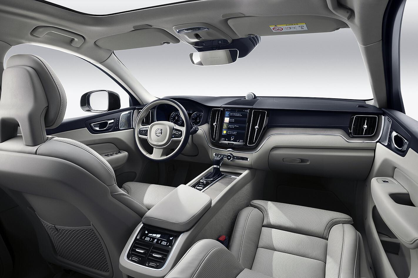 2018 volvo XC60 interior