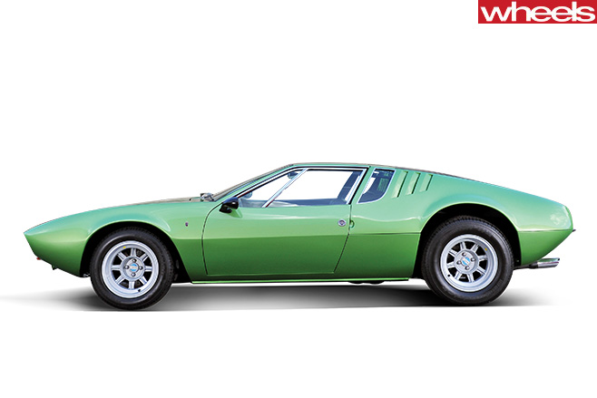 1967-De -Tomaso -Mangusta -side