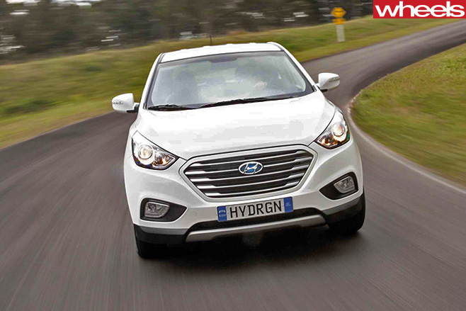 Hyundai -ix 35-hydrogen -fuel -cell -front -on