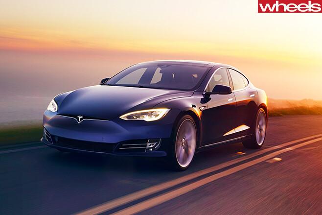 Tesla -Model -S-driving