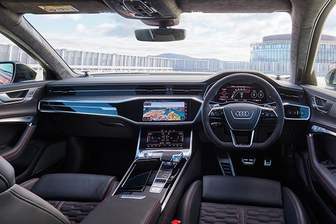 2020 Audi RS6 Avant interior