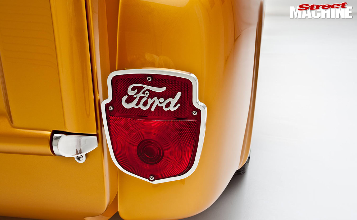 Ford F100 pick-up tail light