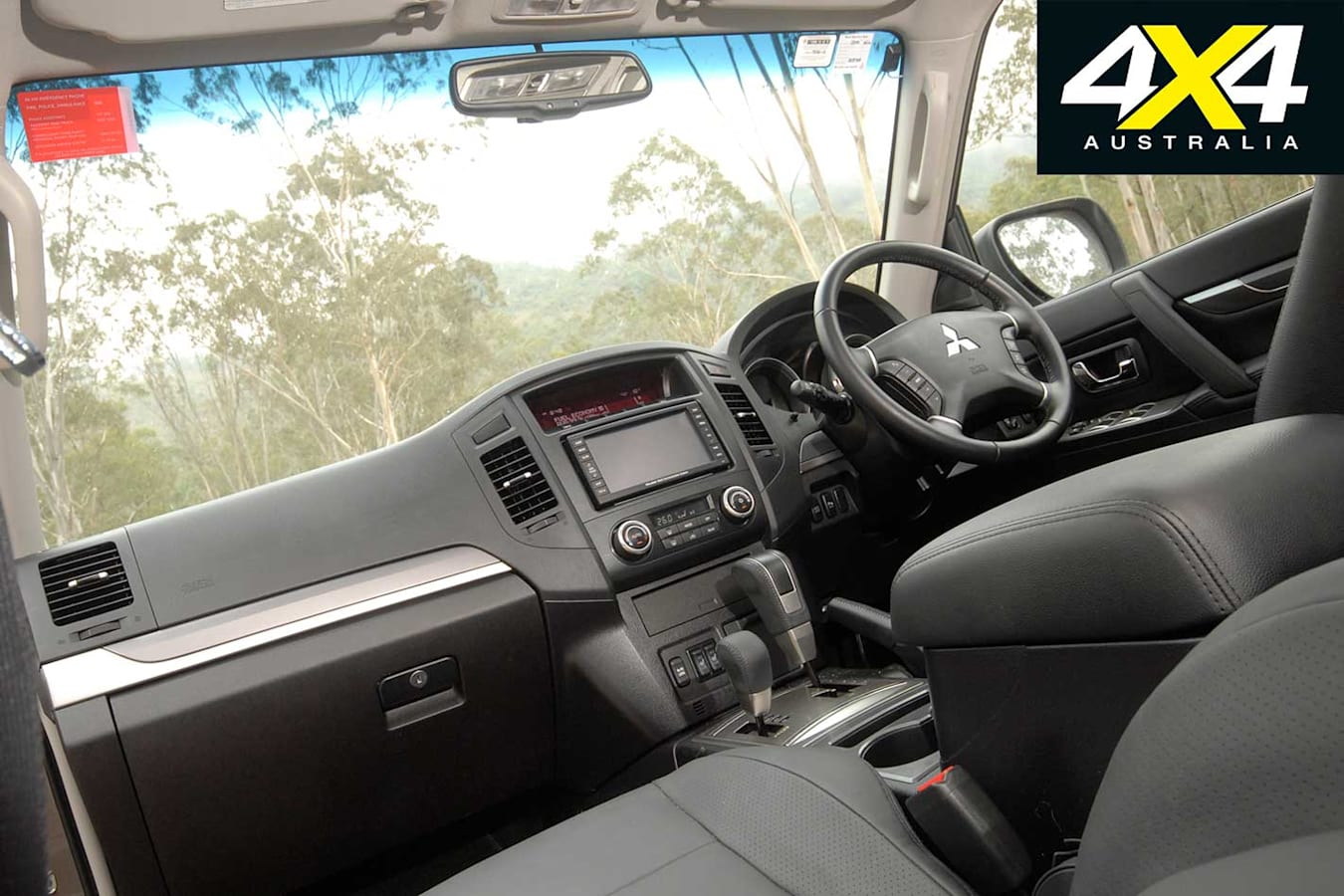 2009 Mitsubishi Pajero Interior Jpg