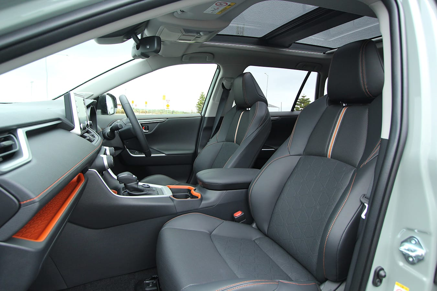 Toyota RAV4 Edge front seats