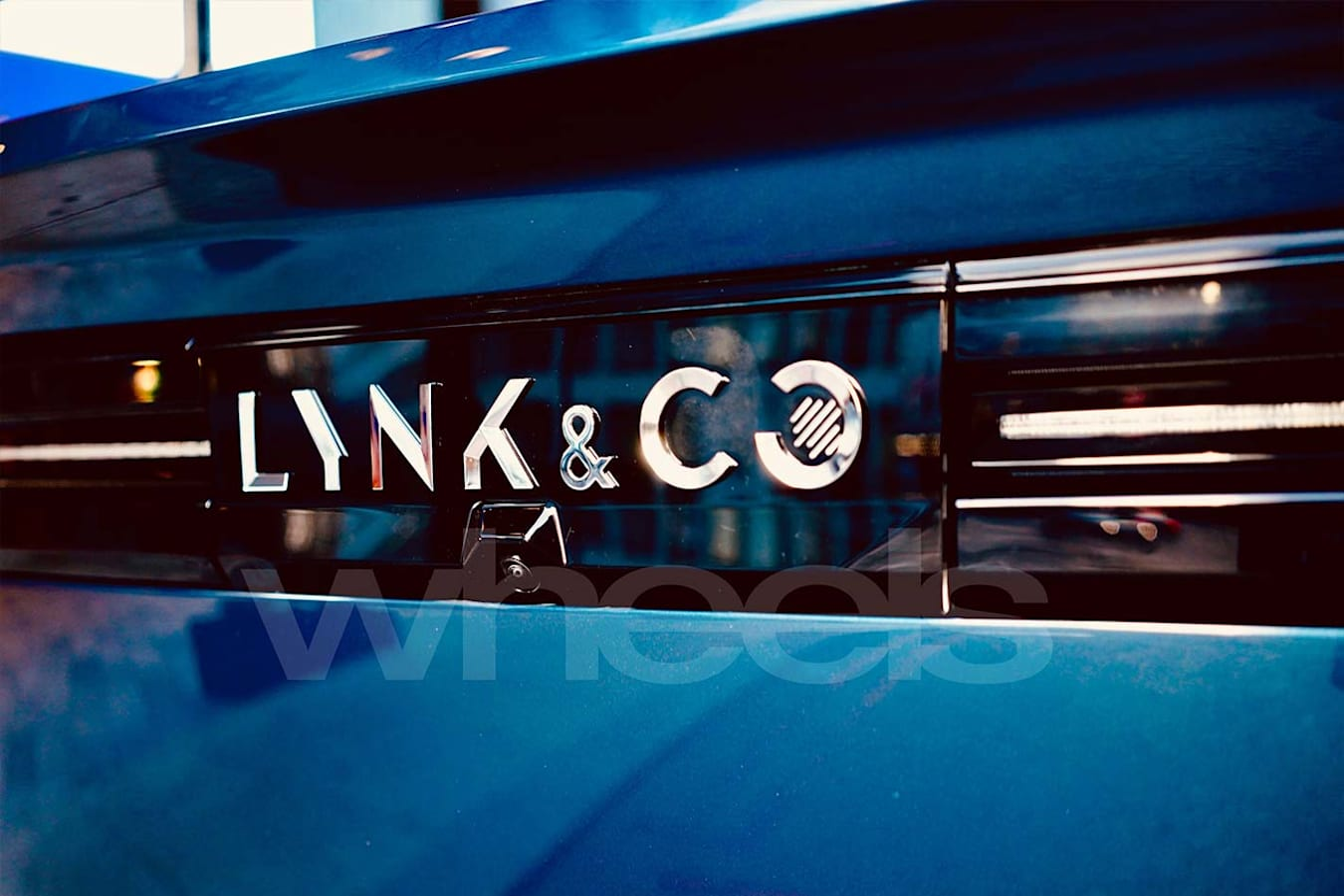 Lynk & Co badge