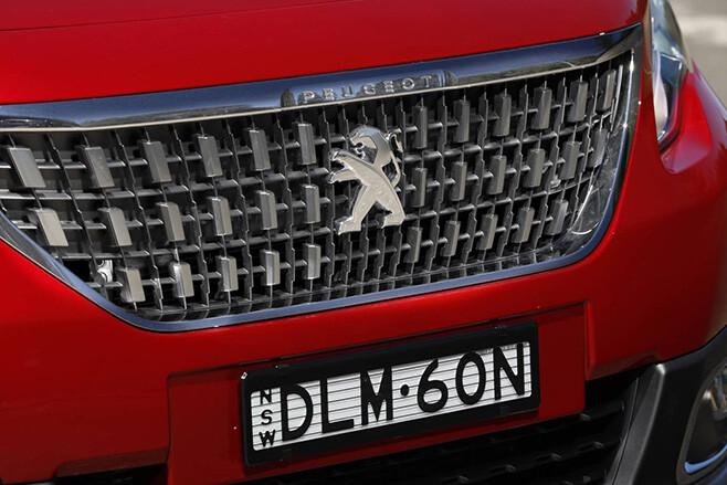 2017 Peugeot 2008 Series II grille
