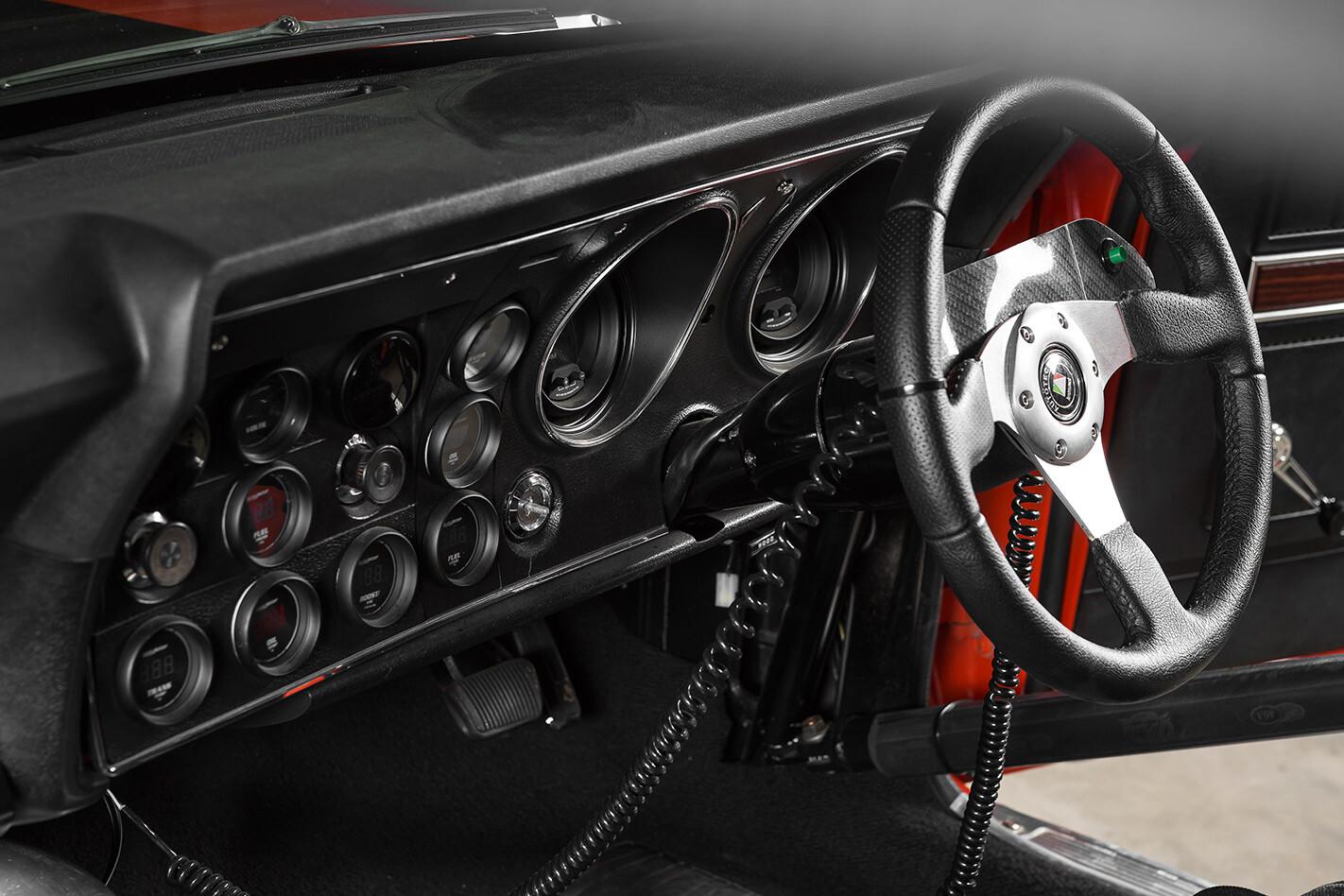 Ford Falcon XW ute dash