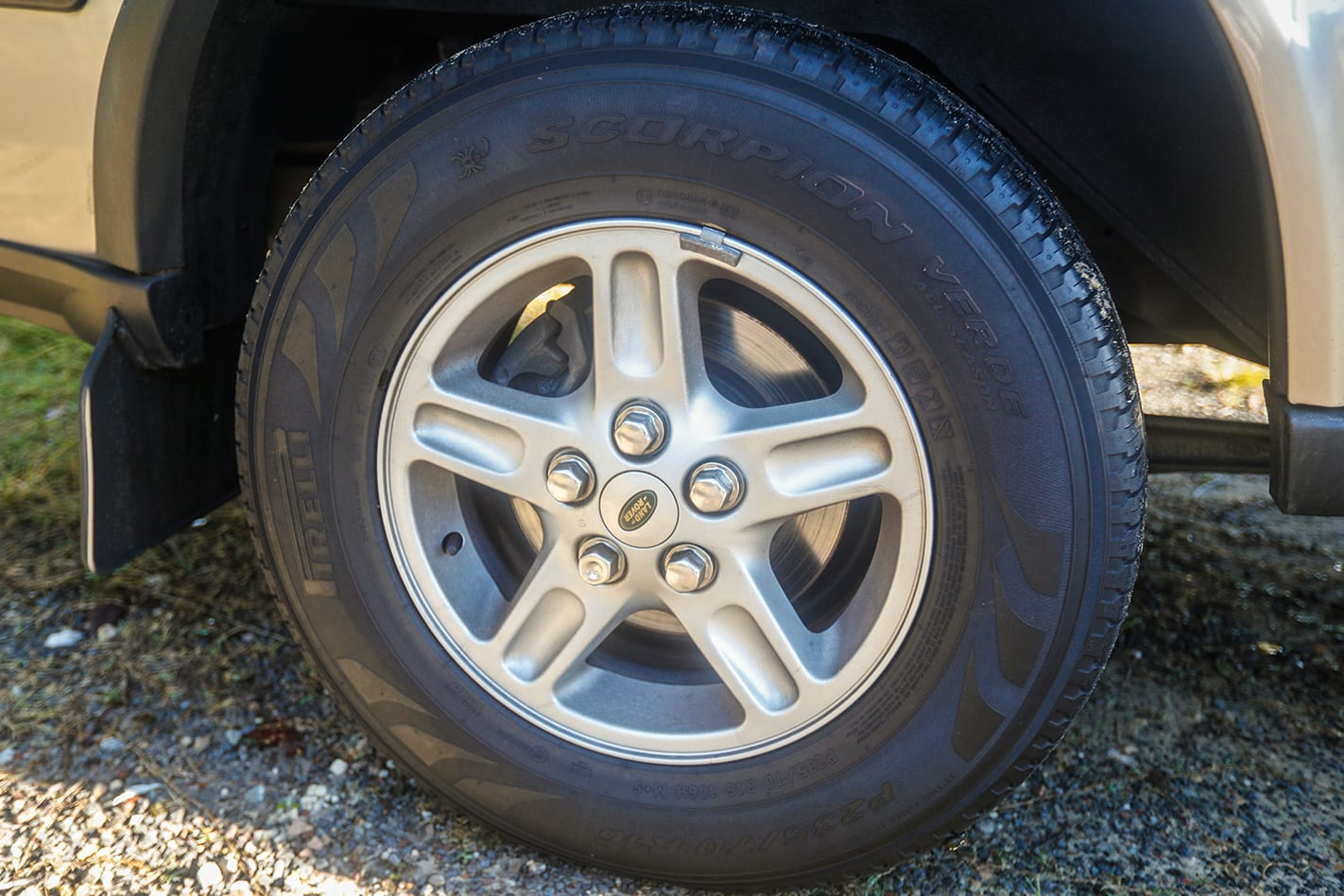 Land Rover Series 2 Discovery wheel