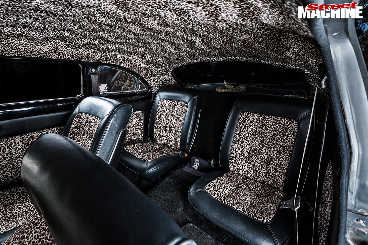 Ford Spinner interior rea