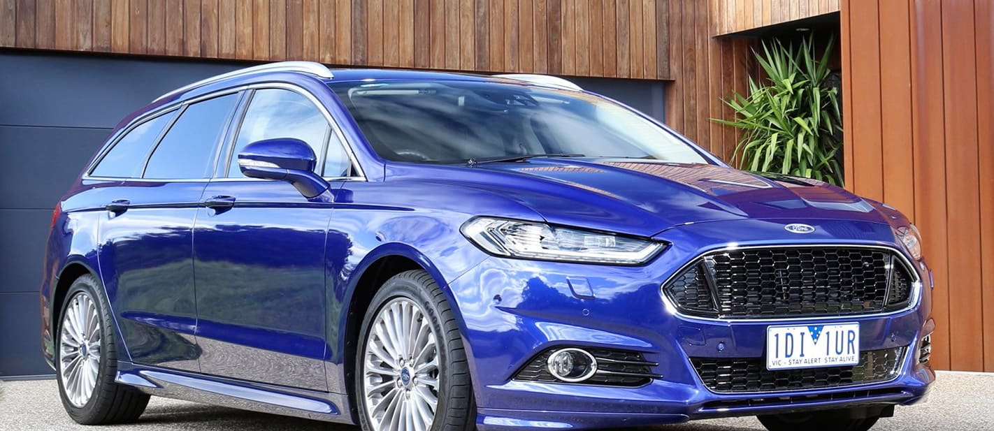 Ford Mondeo Front Side Parked Outisde House 1 Jpg