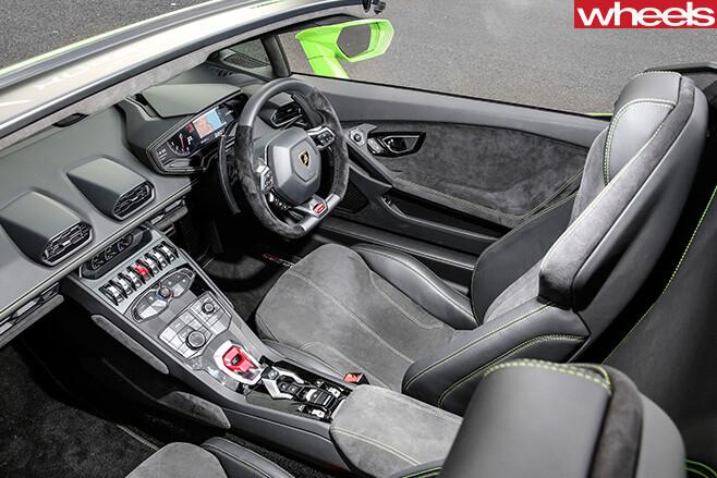 Lamborghini -Huracan -Spyder -interior