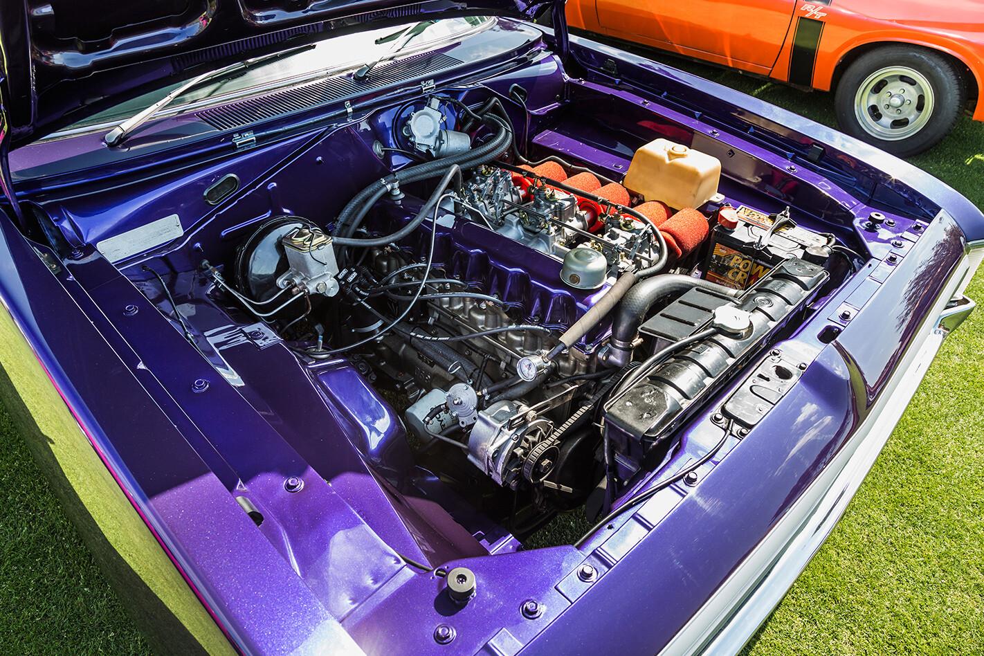 Chrysler Charger engine bay