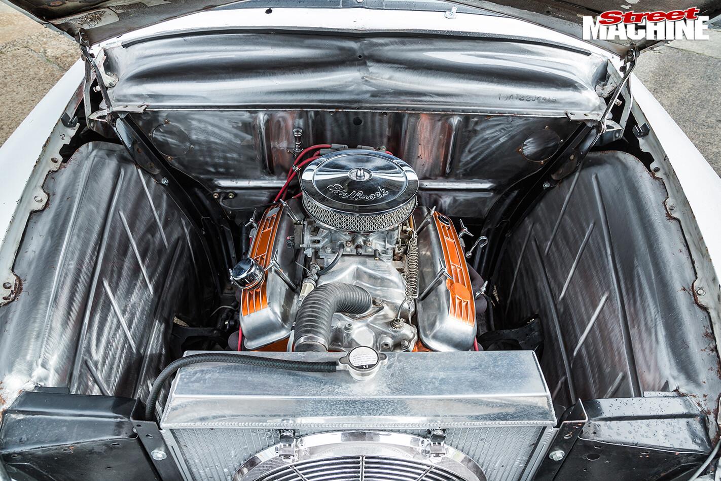 6950-ford -single -spinner -engine -bay