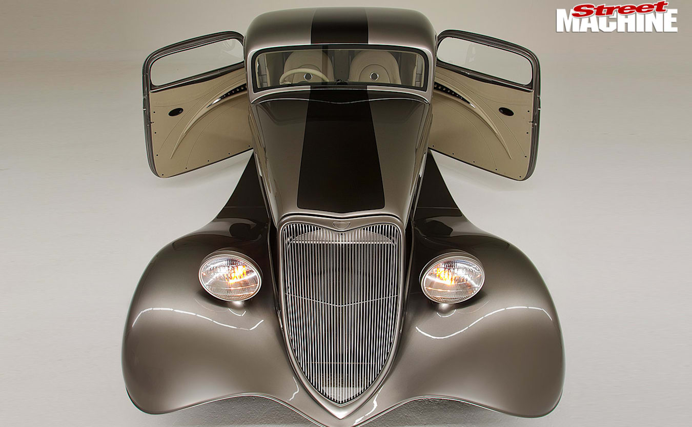 1933 Ford Coupe front
