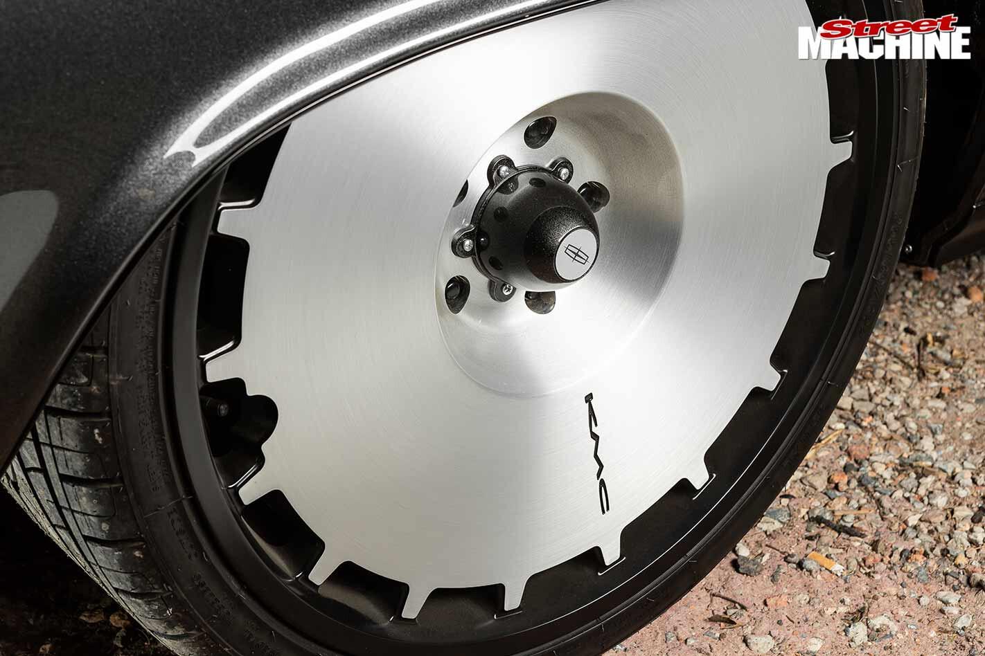 Lincoln Continental wheel