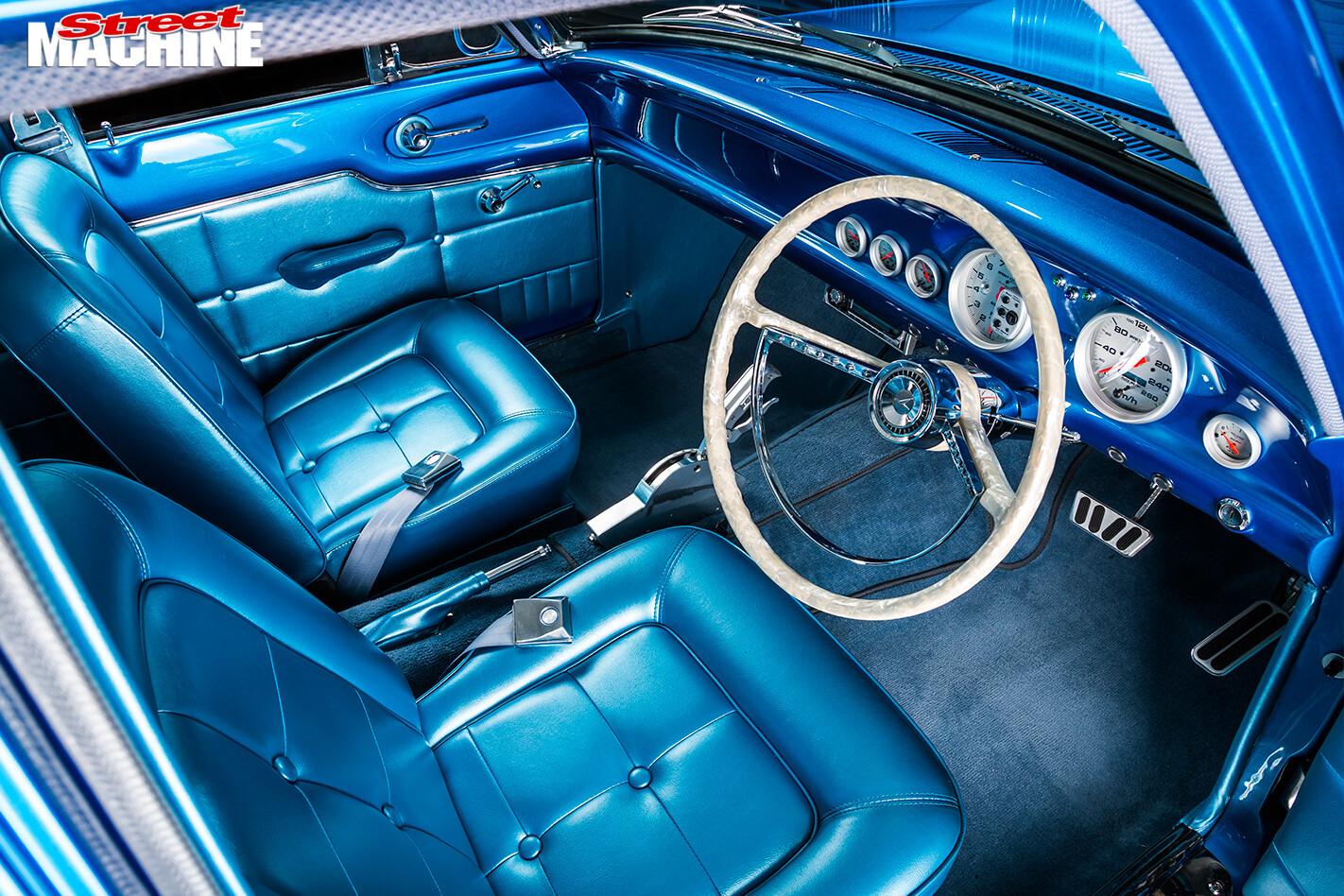 Ford -Falcon -XP-interior -front