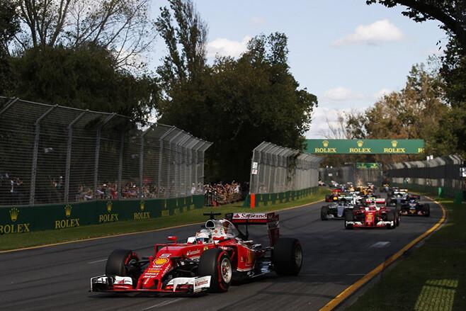 F1 cars racing Melbourne Australia