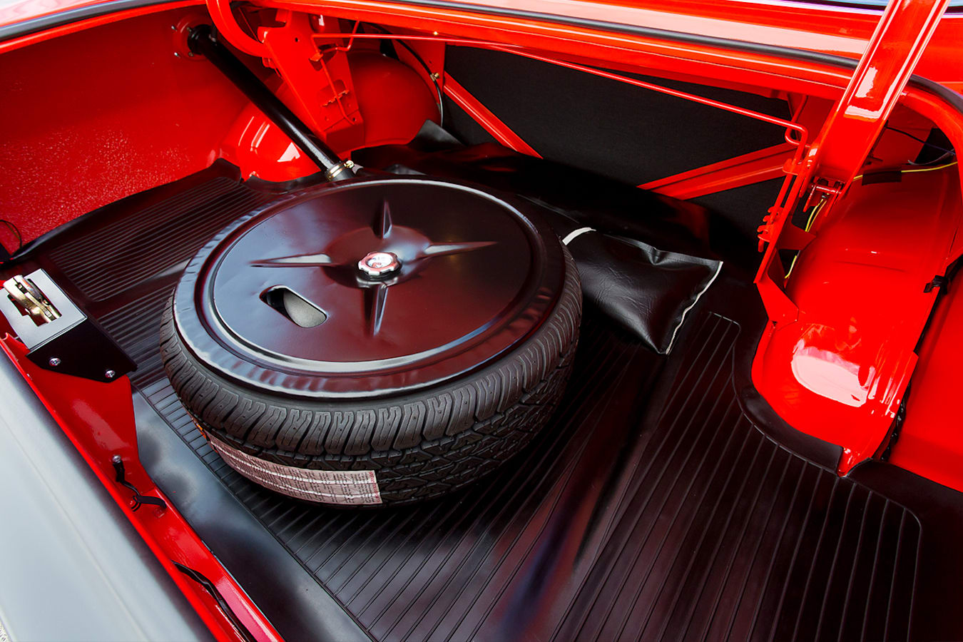 Ford Falcon XB GT boot