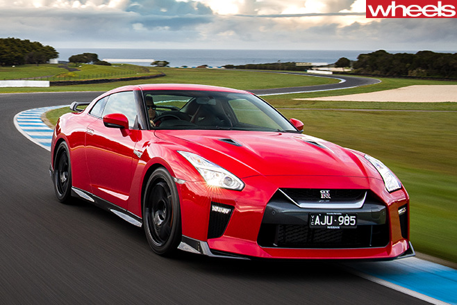 Nismo -GT-R-driving -around -track -front