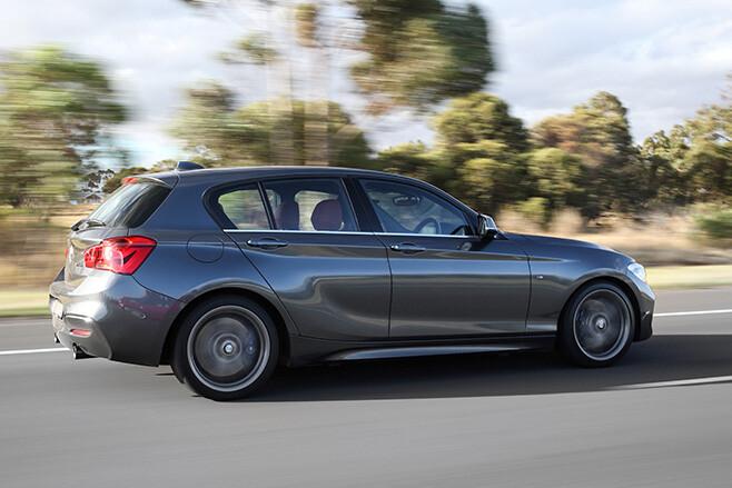BMW M140i side