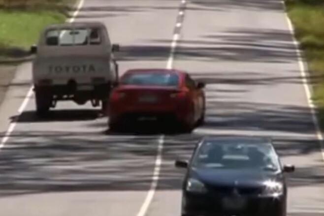 Highway Patrol Black Spur Toyota 86 overtake