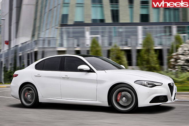 Alfa -Romeo -Giulia -side -driving