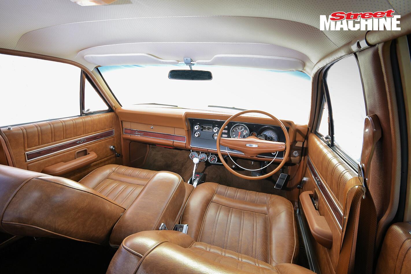 Ford XY Fairmont 302 2