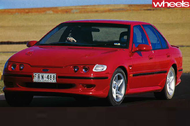 1994-Falcon -Xr 6-front -driving