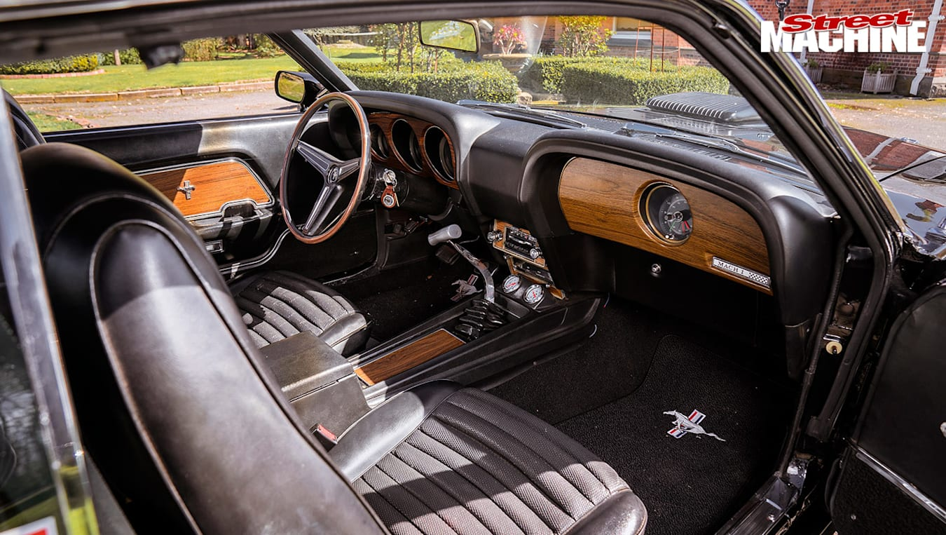 Ford Mustang Mach1 interior