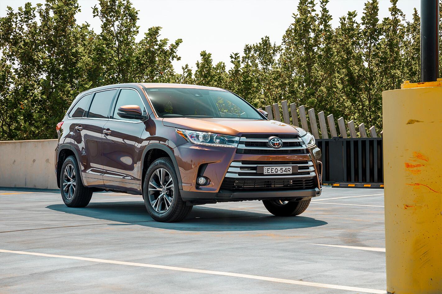 Toyota Kluger Qtr Jpg