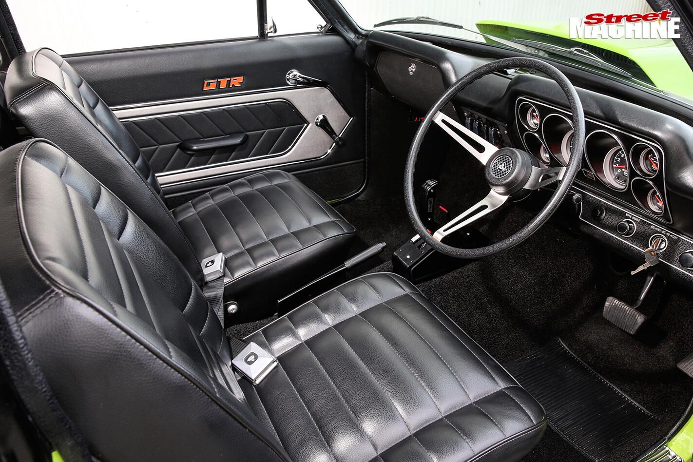 383-STROKER-LC-TORANA-STREETER-interior