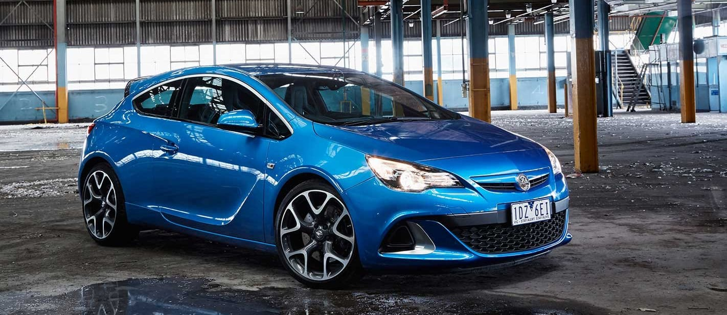 Snackable Review Holden Astra Primary Image Jpg