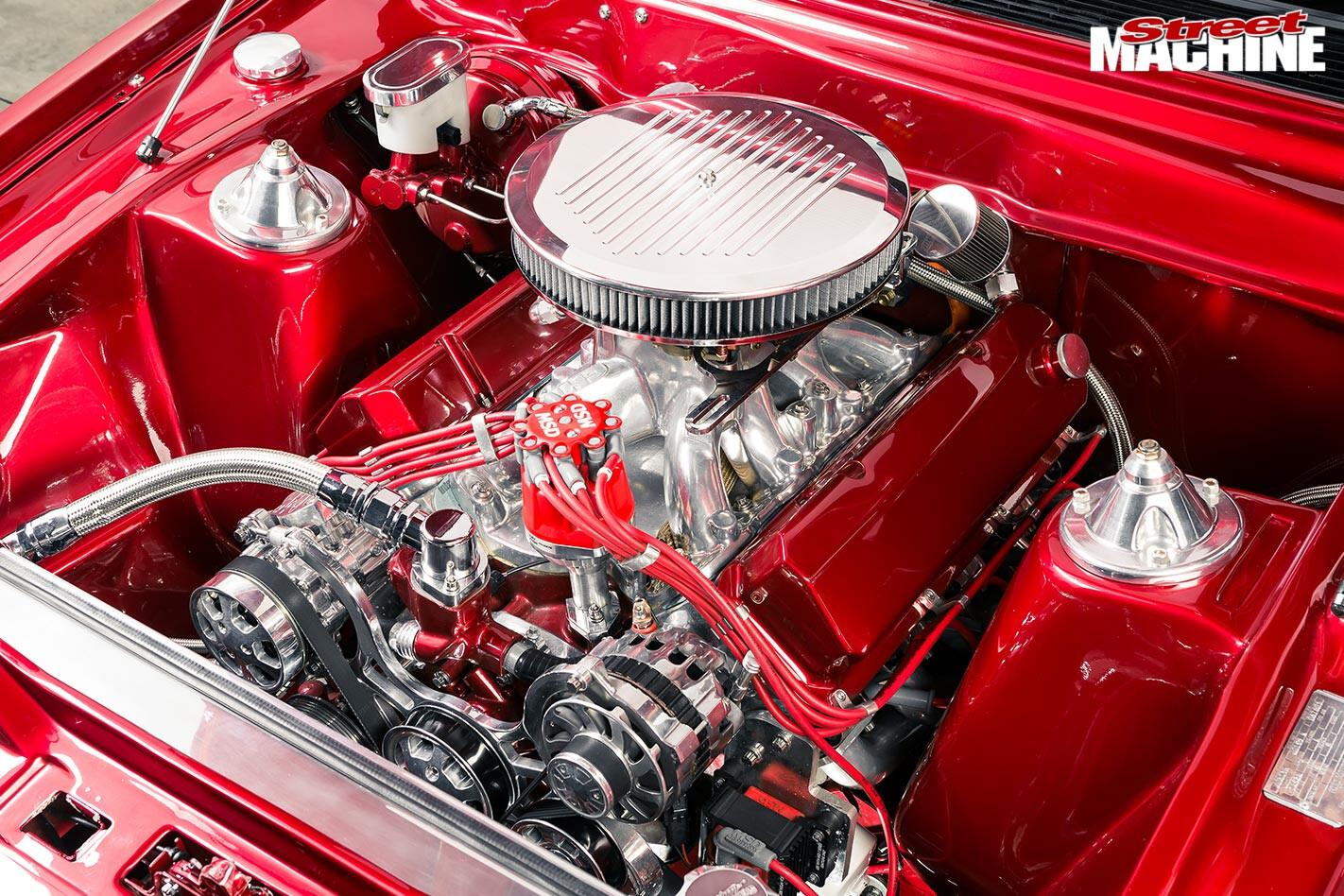 Ford XD Fairmont engine bay