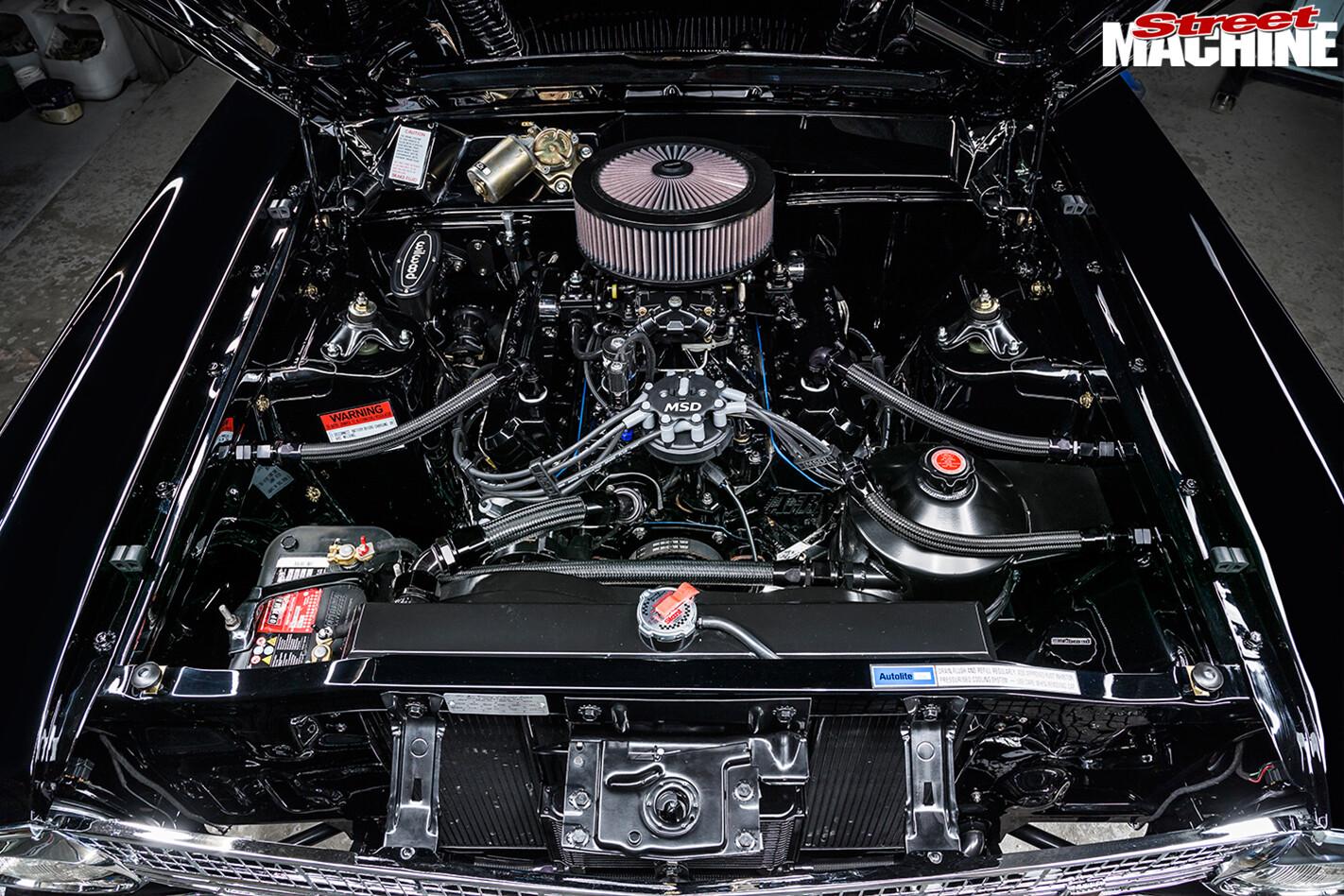 Ford -Falcon -XR-engine -bay