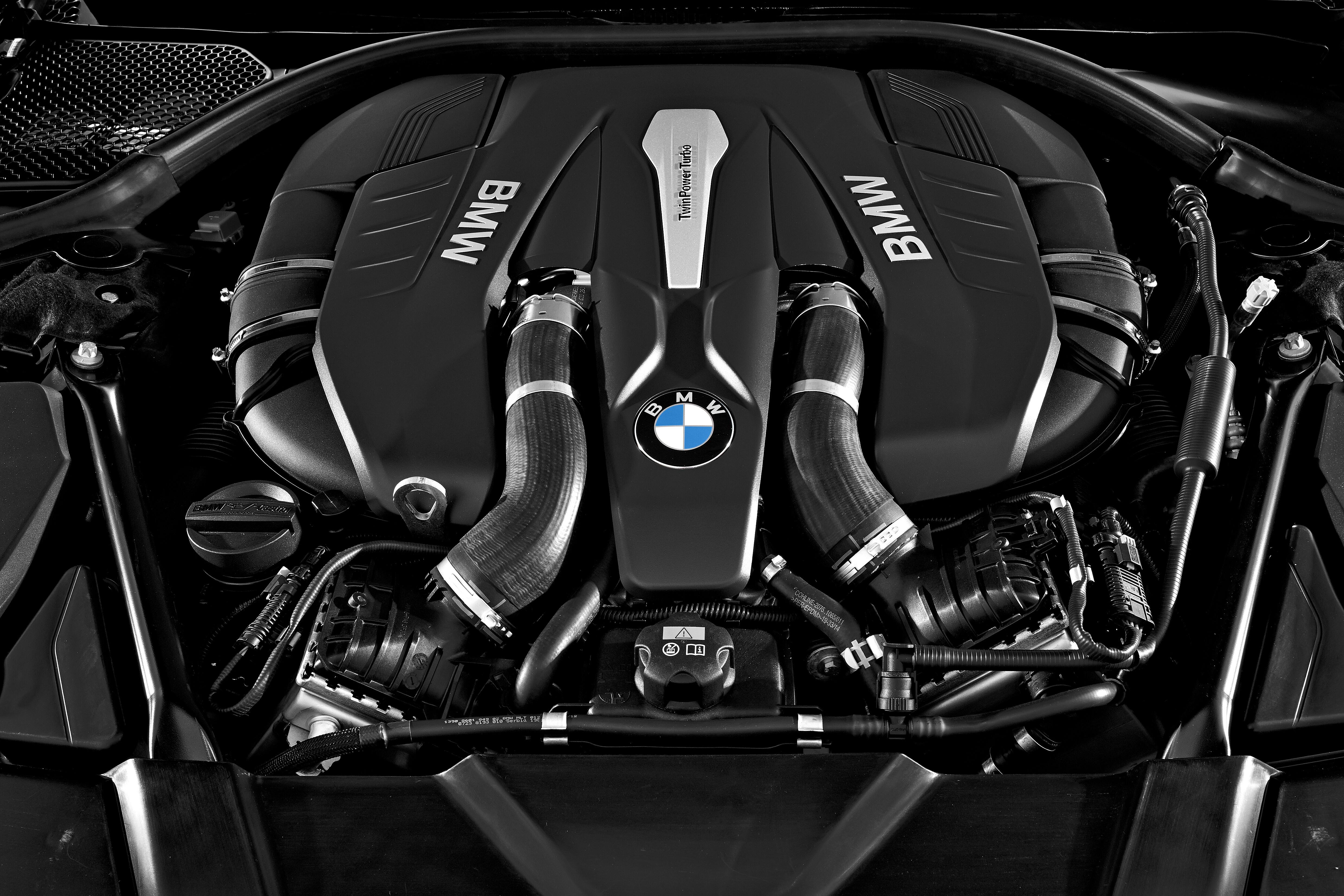 BMW77