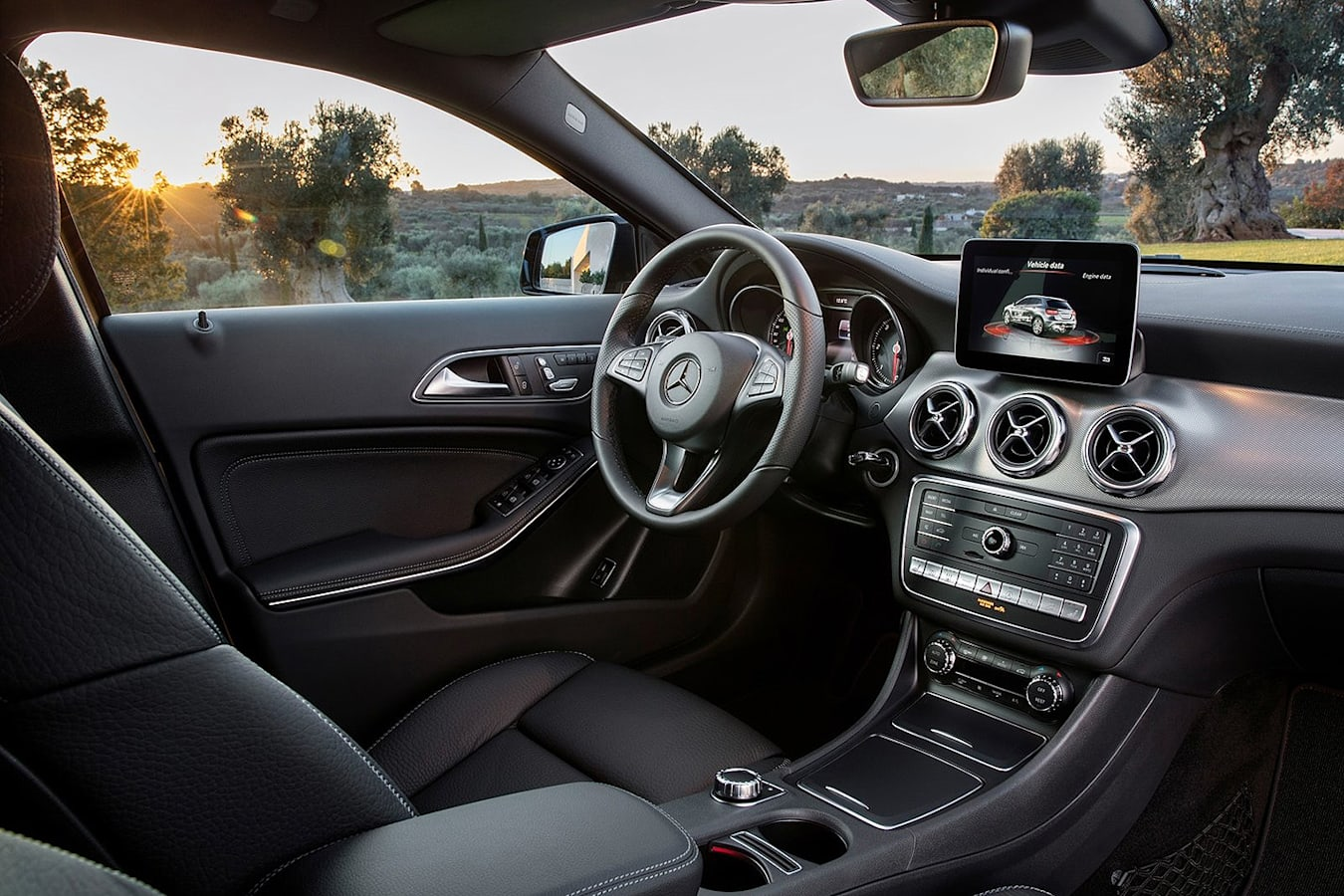 Mercedes Benz Gla 2018 Standard Interior Finish Jpg