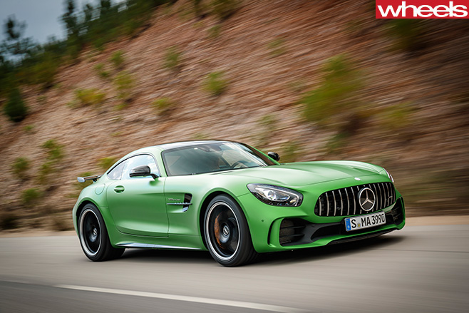 2016-Mercedes -AMG-GT-R-driving -front -side