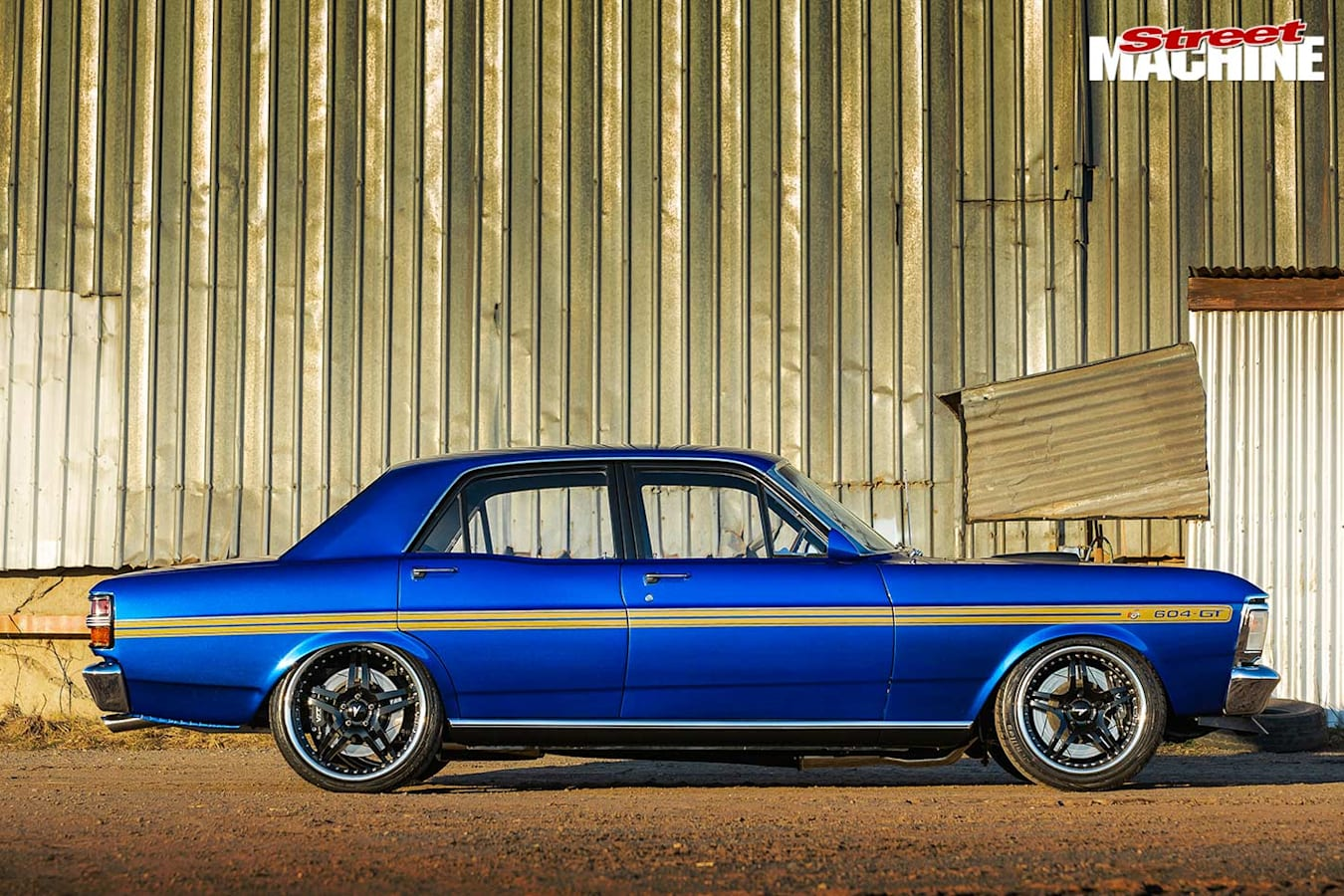 Ford Falcon XY side