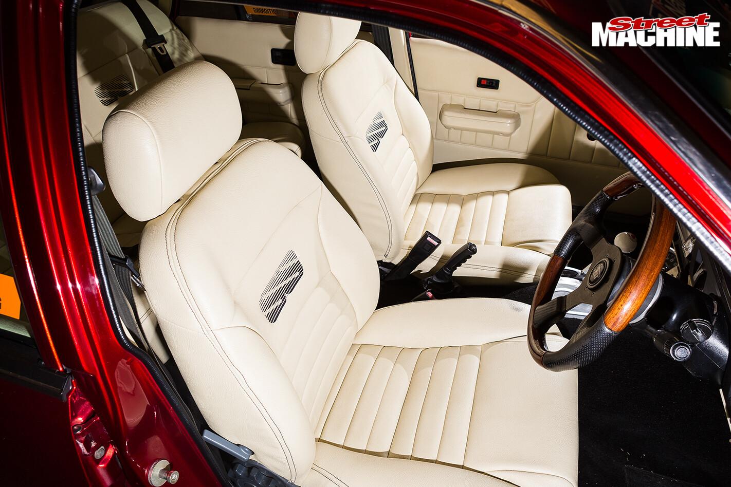 Holden -vk -commodore -interior