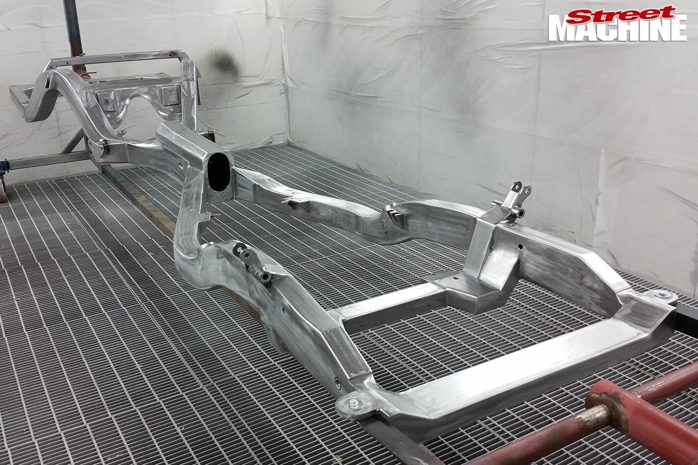 25-Pontiac -Laurentian -build -x -frame