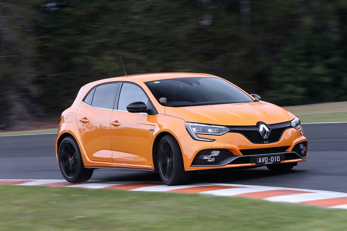 Renault Megane RS cornering on track