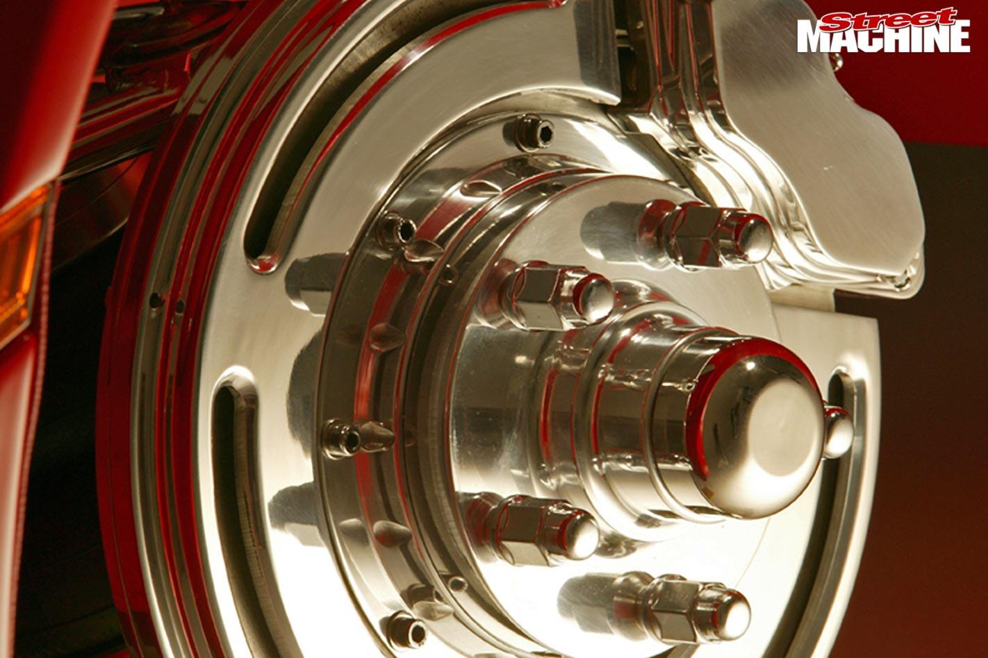Mitsubishi Magna brakes