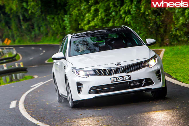 Kia -Optima -GT-front