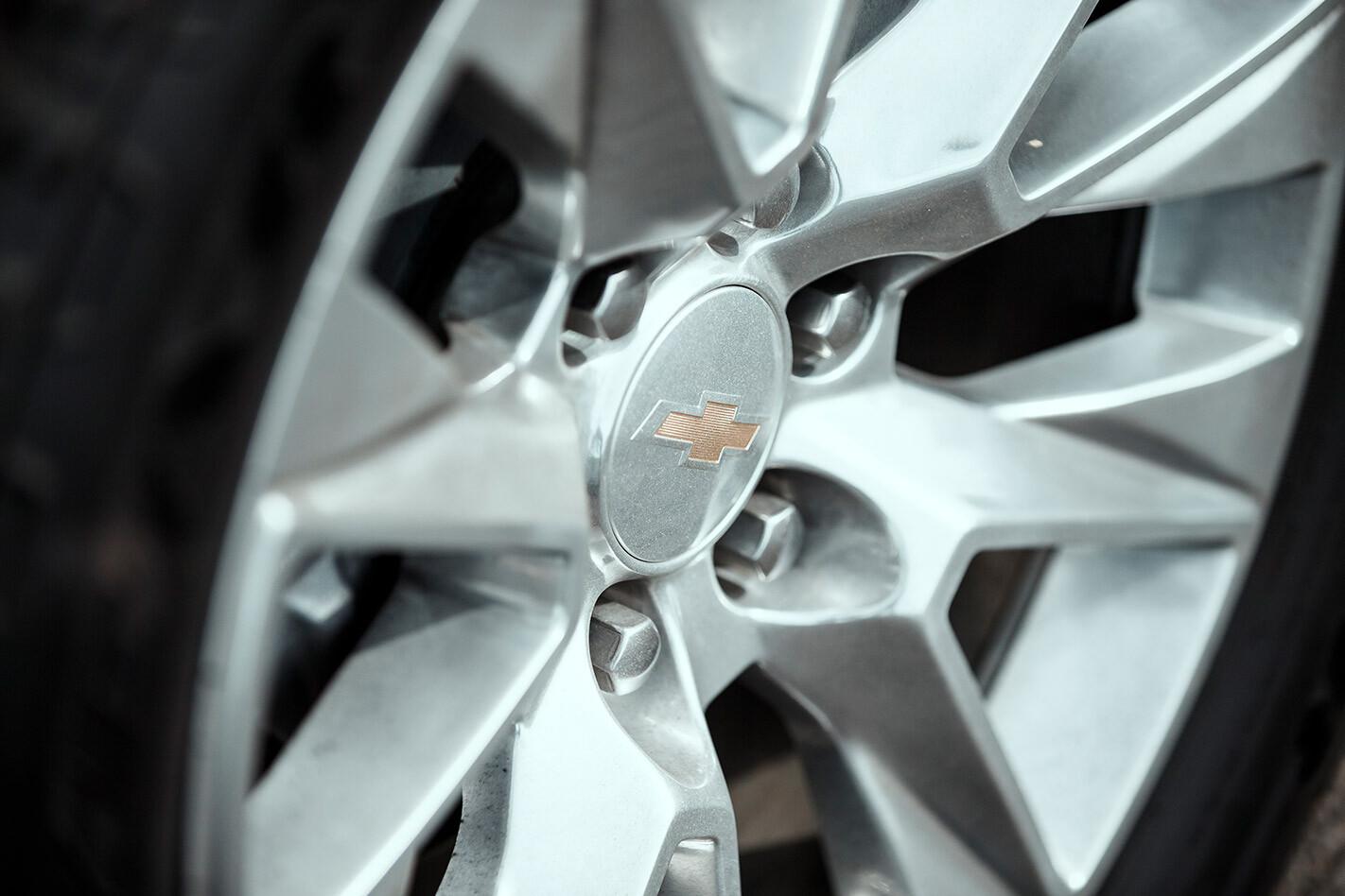 Chevrolet Silverado wheel