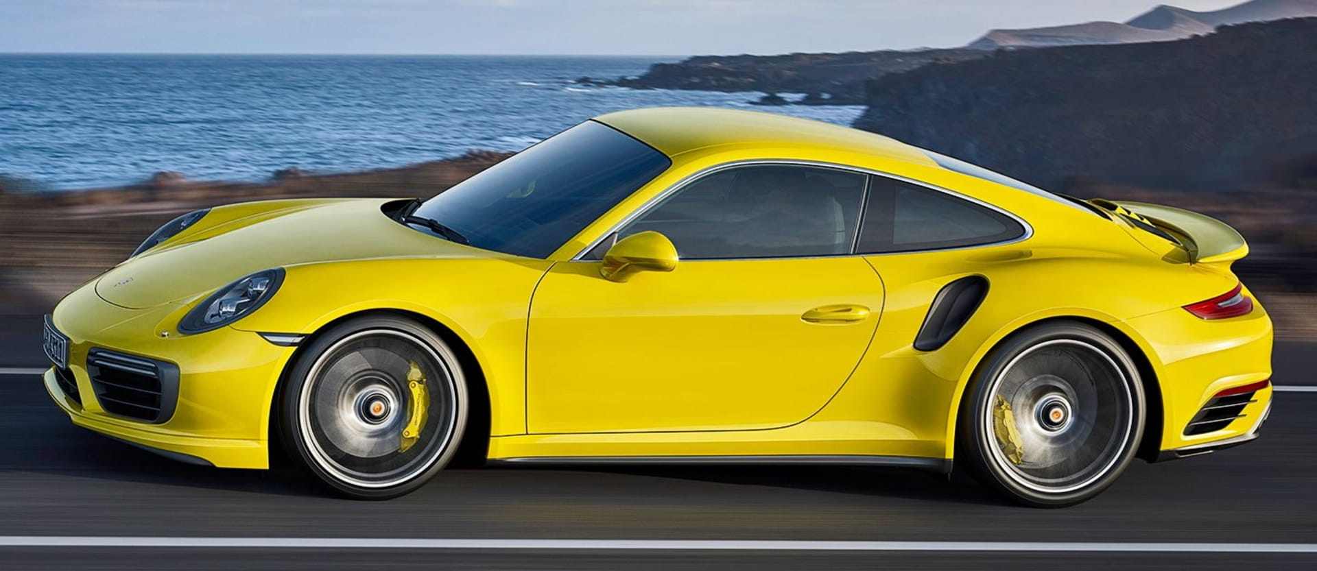 2016 Porsche 911 Turbo is the new king