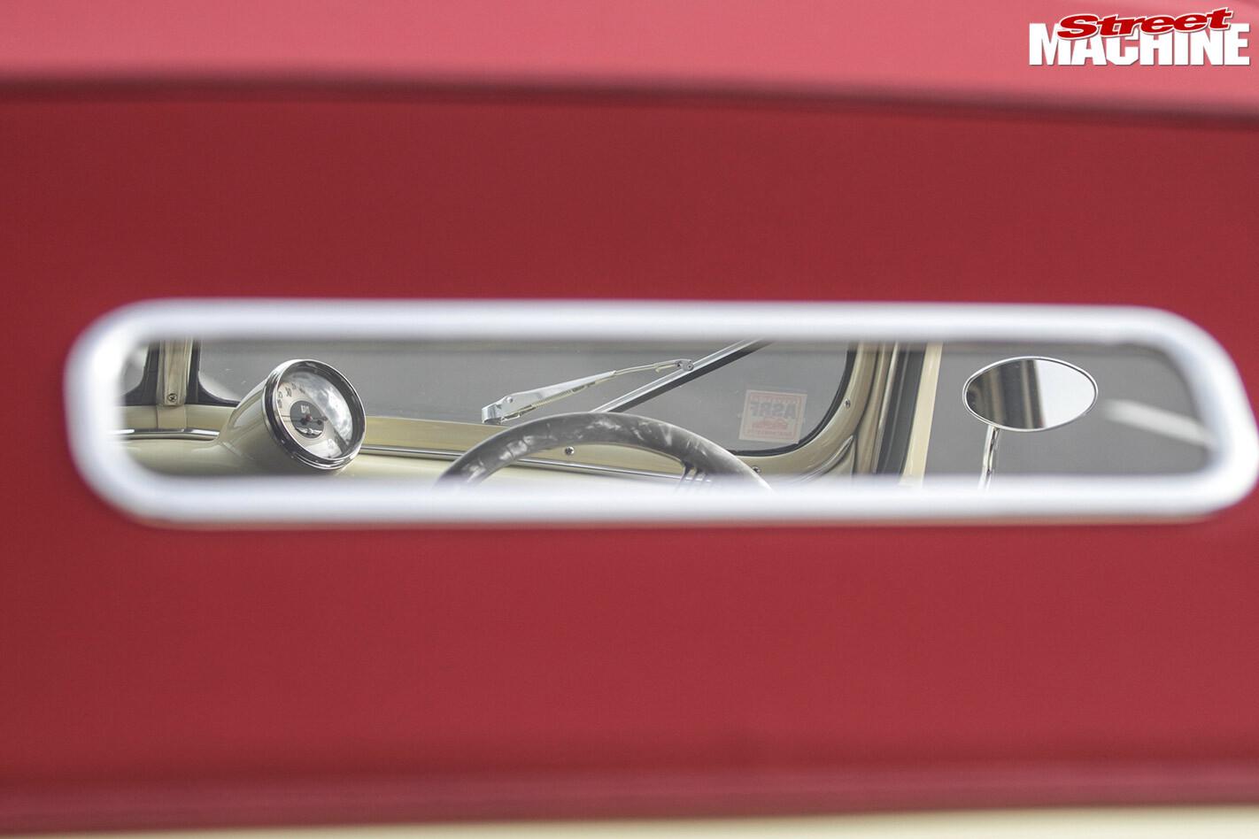 Ford Cabriolet rear window