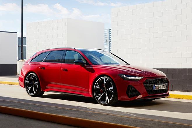2020 Audi RS6 Avant red